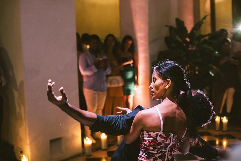 Premier de baile en la gran inauguración de la gran inauguración del hotel boutique Amarla