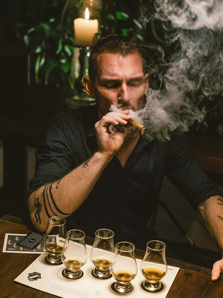 Smoke cigars and drink rum as you learn about the history and traditions on our rum tasting and cigar rolling classes at Amarla boutique hotel in cartagena